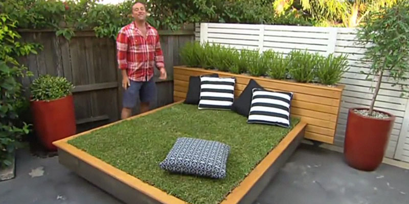 Grass day bed