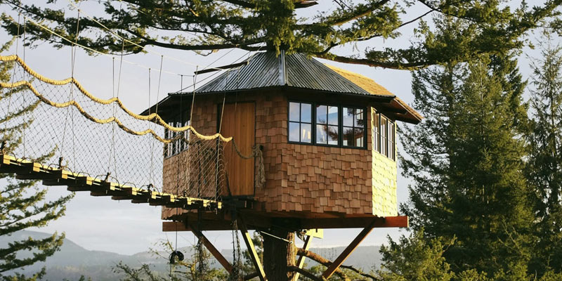 The Cinder Cone luxury treehouse