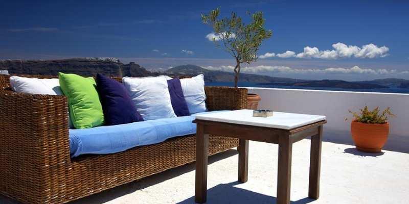 seasonal garden furniture